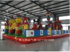 广东中山那里有充气沙池批发广州那里有蹦蹦床批发市场