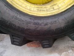 供應高品質水田輪胎30.5LR32