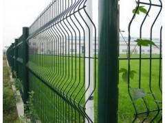 桃形立柱护栏隔离网,折弯围栏网生产厂家13921108107