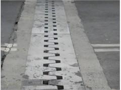 橋梁伸縮縫