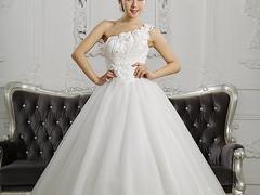 有品質的婚紗禮服購買技巧,臺江婚紗禮服定制婚紗禮服租賃
