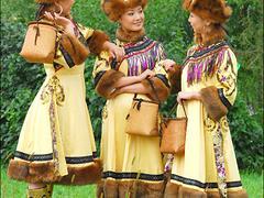 民族服饰服装——专业鄂伦春族服饰购买技巧