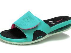 采购款式新的耐克詹姆斯运动气垫拖鞋推荐大益鞋业:耐克夏季气垫拖鞋时尚大方