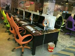 網吧桌椅廠家:鄭州質量硬的網吧桌椅,認準恒昌家具