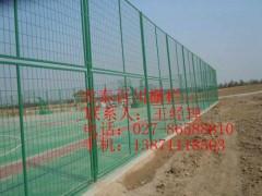 武漢體育網使用年限長籃球場護欄網運動場防護網羽毛球隔離