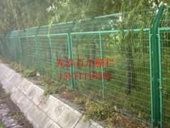 湖北龍泰百川柵欄廠直銷廠區護欄公路防護網圍欄框架護欄
