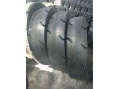 青島廠家銷售光面900-20壓路機車輪胎