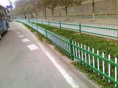 兰州专业的草坪护栏提供商——兰州土豪金围栏