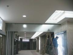 夹丝防火玻璃专业供货商|夹丝夹胶挡烟垂壁