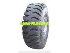 更換玲瓏鏟運車輪胎批發18.00-33正品好輪胎